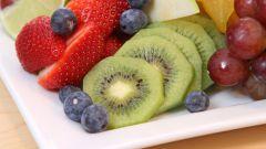 Украшаем стол фруктовой нарезкой