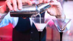 Готовим белый русский коктейль