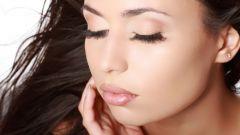 Для тех, кто мечтает о длинных ресницах: средство для роста волос