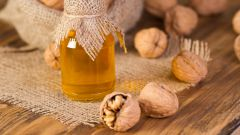 Масло грецкого ореха: полезные свойства, применение
