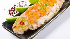 Фаршированный заливной судак - украшение праздничного стола