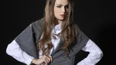 Блузка с длинным рукавом: правильно сочетаем с другими предметами гардероба