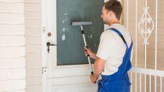 Знакомьтесь с универсальным помощником для мытья окон: палка-щетка