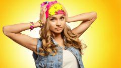 Как красиво повязать косынку на голову: модные способы