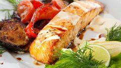 Тушим рыбу в овощах