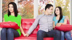 Что делать, если мужчина заглядывается на других? Правильное поведение по советам психолога