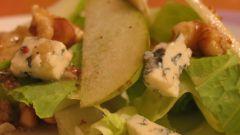 Голубой чеширский сыр и салат из него