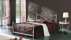 Металлическая кровать – воспоминания о больницах или новое дизайнерское веяние?