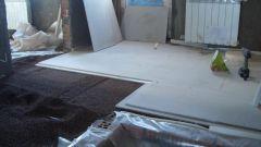 Технология сухой стяжки при укладке напольных покрытий: пошаговая инструкция