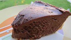 Как приготовить шоколадный пирог к чаю