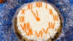 Салат на Новый год «Часы»