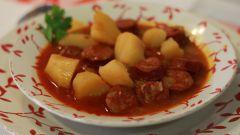 Блюда испанской кухни из картофеля: рагу с чоризо по-риохански
