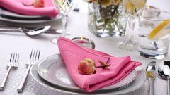 Как красиво сложить салфетки на праздничном столе