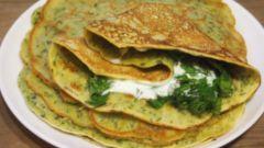 Быстрая и вкусная закуска: блины с зеленью