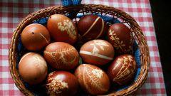 Как покрасить яйца - несколько способов
