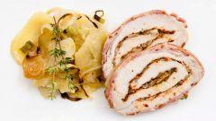 Как приготовить свиной рулет в беконе