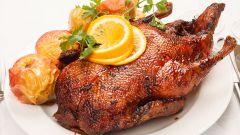 Как приготовить мягкую и сочную утку в духовке