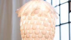 Чудесный абажур из пластиковых ложек