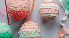 Декорируем пасхальные яйца с помощью гофрированной бумаги