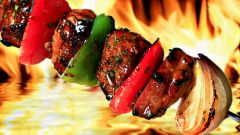 Choose meat for shashlik
