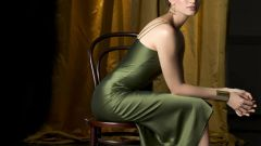Как сделать макияж под зеленое платье