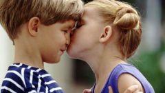 Почему целуются дети