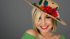 How to decorate a straw hat with fabric flower