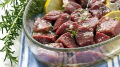 Как замариновать шашлык из свинины, чтобы мясо было сочным