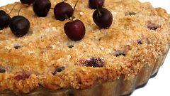 Овсяный пирог с вишней