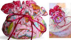 Нарядный мешочек из разноцветной ткани