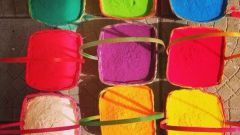 How to make paint Holi at home