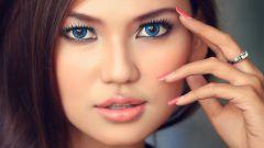 Делаем макияж для голубых глаз