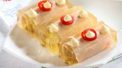 Витки из ветчины заливные: фирменное блюдо легендарного ресторана «Прага»