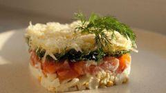Салат с соленой семгой