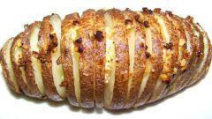 Запеченная картошка с сыром и зеленью в мультиварке