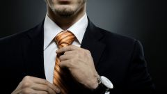 Как стоит правильно носить галстук