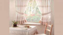 Как выбрать практичные и красивые шторы на кухню
