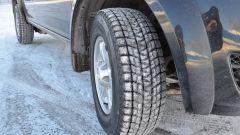 """Какие зимние шины лучше: шипованные или """"липучки"""""""