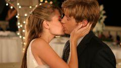 Как научиться целоваться с парнем
