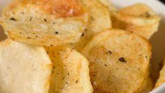 Как сделать домашние чипсы на сковороде