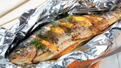 How to bake fish in foil