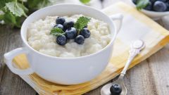 How to cook rice porridge with milk