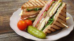 Как приготовить сэндвич с беконом