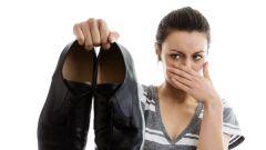 Как удалить неприятный запах из обуви
