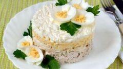 Слоеные салаты: два простых рецепта