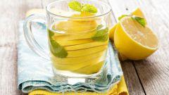 Почему полезна вода с лимоном натощак