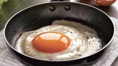 Как приготовить сытную яичницу