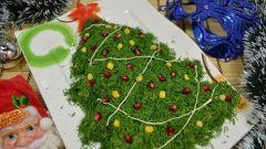 Как сделать новогодний салат в виде ёлочки