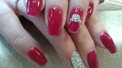 Как красиво украсить ногти стразами и надежно их закрепить