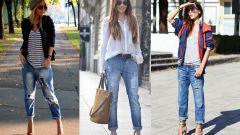 Как стильно носить джинсы-бойфренды